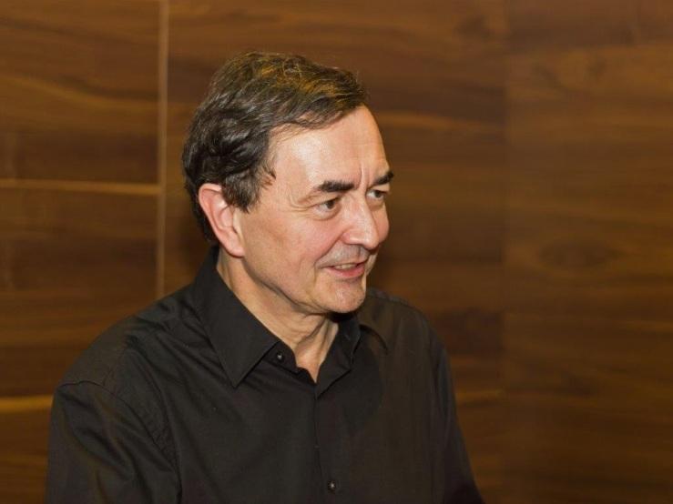 Pierre-Laurent Aimard (en.wikipedia.org)